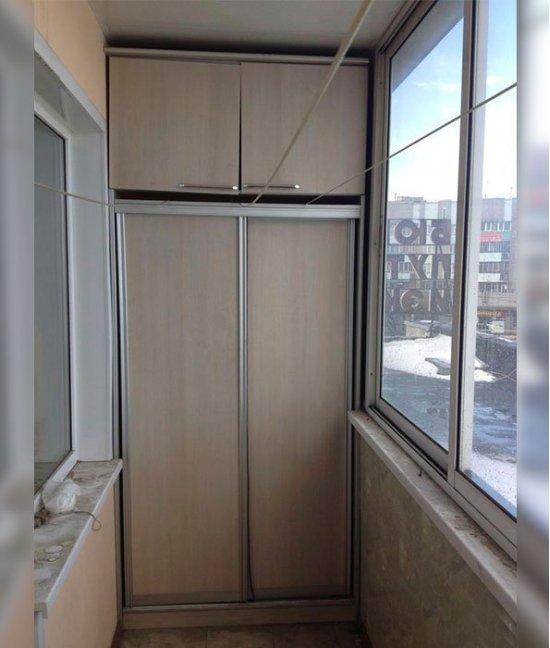 Двери в шкаф купе на балкон