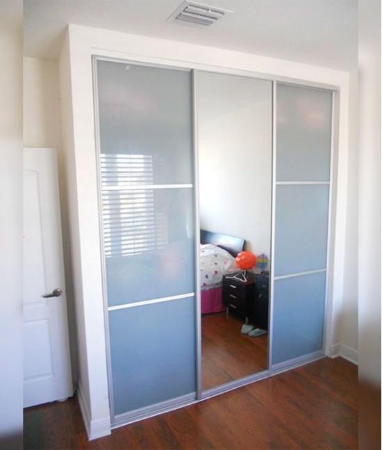 Нижнеопорые двери для встроенного шкафа