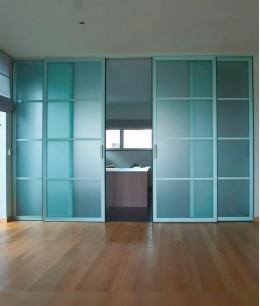 Раздвижные двери в офис