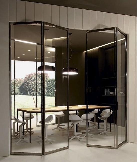Стеклянную складную дверь гармошка