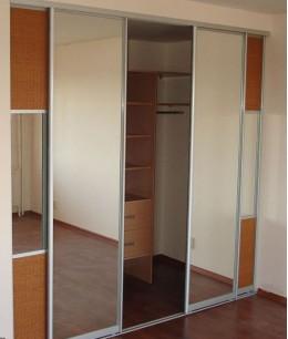 Откатные двери для гардеробной