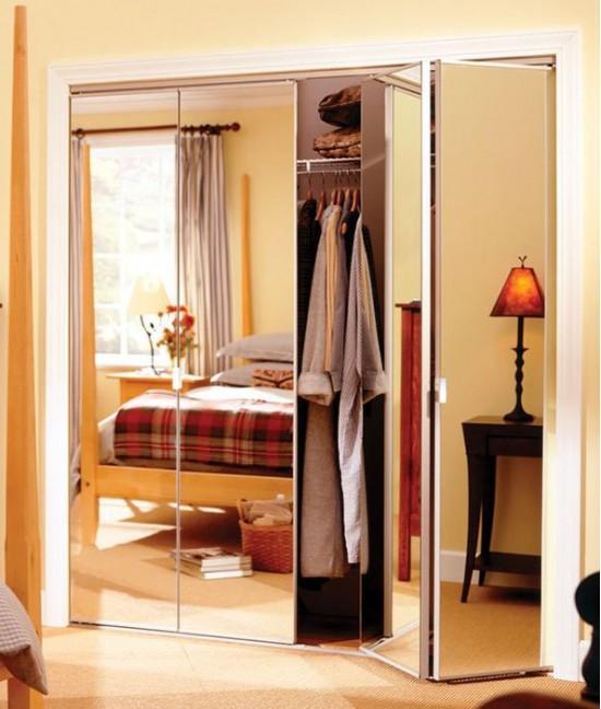 Складные зеркальные двери для гардеробной