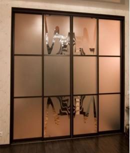 Межкомнатные двери-купе с пескоструйным рисунком