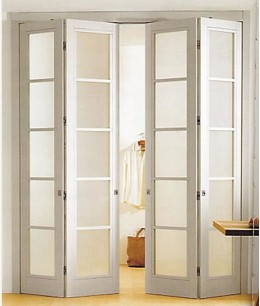 Складные деревянные 2-х створчатые двери межкомнатные