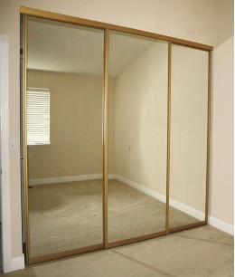 Большие зеркальные двери для шкафа-купе