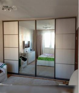 Зеркальные двери для шкафа купе в  спальню