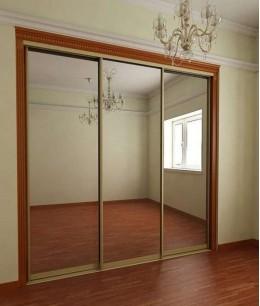 Зеркальные двери для шкафа-купе в стену