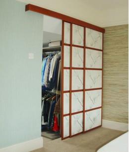 Подвесные двери для гардеробной