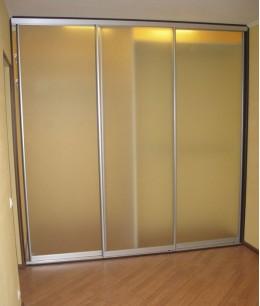 Стеклянные двери для шкафа-купе