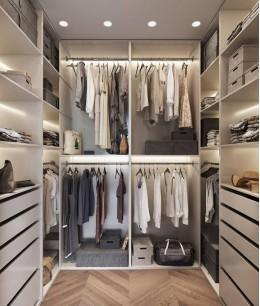 Маленькая гардеробная комната фото 2 кв м