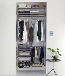 Очень маленькая гардеробная комната