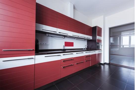 Хайтек кухня матовая красная