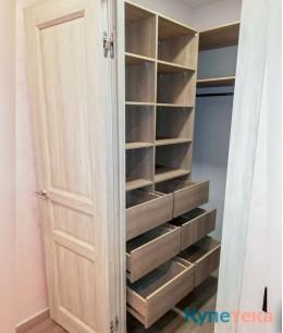 Гардеробная комната из лдсп и ящиками