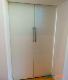 Раздвижные двери в салоне Mitsubishi