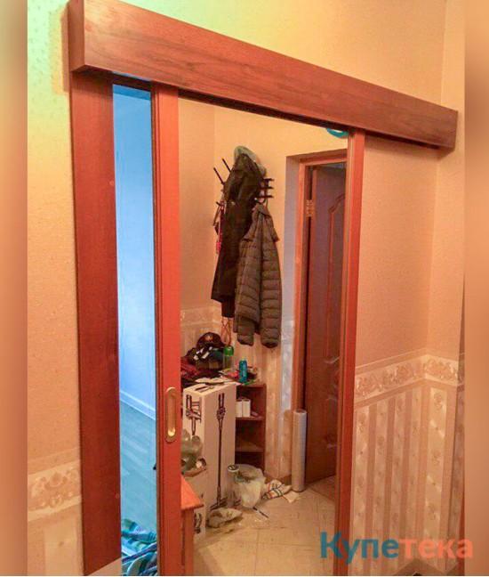 Межкомнатная перегородка в прихожую с зеркалом