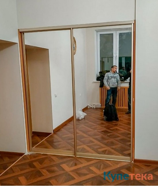 Двери-купе в коридоре - цвет профиля - бронза