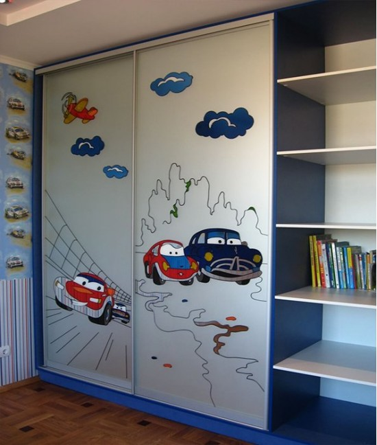 Шкаф купе в детскую для мальчика