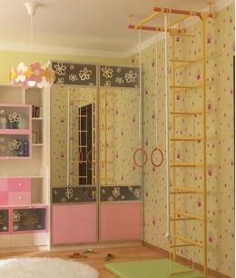 Шкаф купе в детскую комнату для девочки