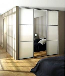 Встроенный шкаф купе в спальню белый