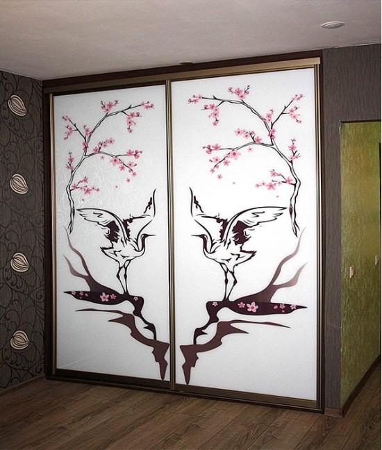 Шкаф купе с пескоструйным рисунком сакура