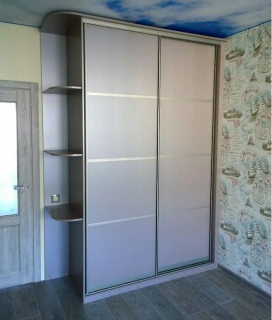 Встраиваемый шкаф купе в прихожую двухдверный до потолка