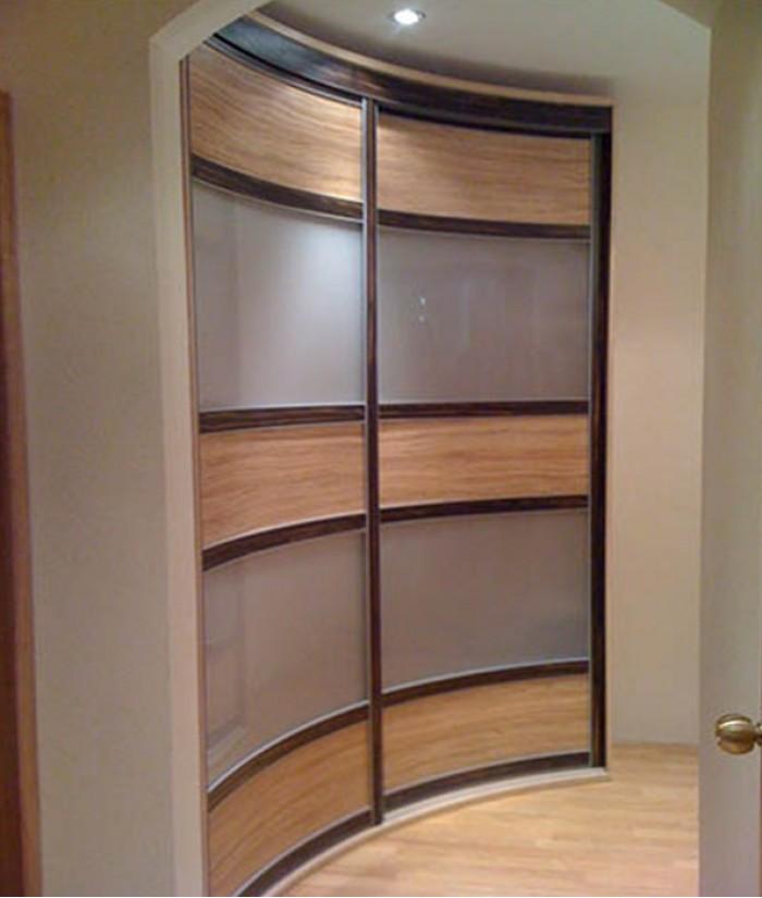 Шкафы купе с круглыми дверями фото