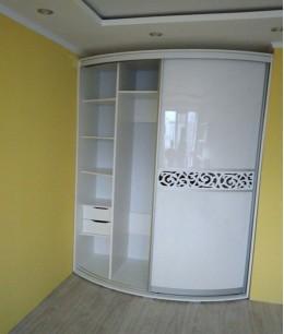 Радиусный шкаф купе угловой с ящиками выдвижными