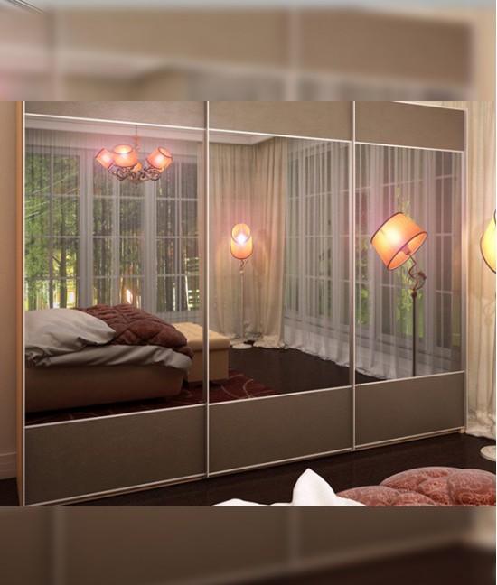 Стильный шкаф купе в спальню трехдверный