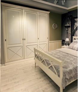 Шкаф купе в спальню классика
