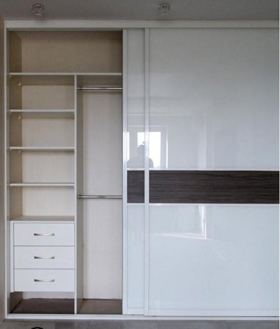 Встроенный шкаф купе глянцевый