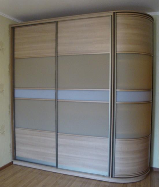Шкаф купе с угловым элементом закрытым