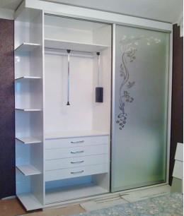 Шкаф купе шириной 1 метр с пантографом