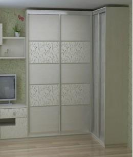 Угловая стенка со шкафом купе в гостиную из лдсп
