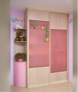 Встроенный шкаф купе в детскую розовый
