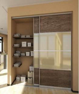 Встроенный шкаф купе до потолка светло-коричневый