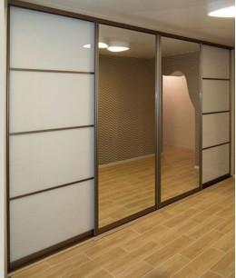 Встроенный шкаф купе зеркальные с матовым стеклом