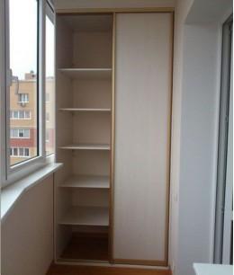 Встроенный шкаф купе на балкон двухдверный лдсп
