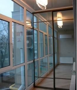 Встроенный шкаф купе на балкон зеркальный двухдверный