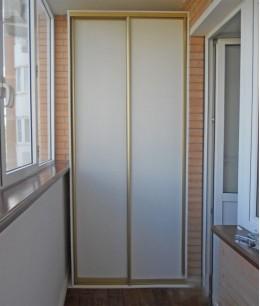 Встроенный шкаф купе на балкон лдсп белый