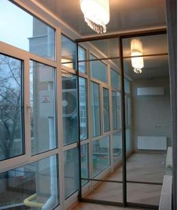 Встроенный шкаф купе на балкон зеркальный