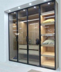 Встроенный шкаф распашной стекло прозрачное