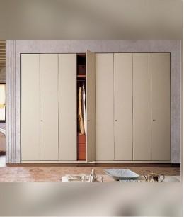 Встроенный шкаф распашной высокий