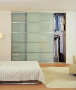 Встроенный шкаф купе в спальню стекло прозрачное