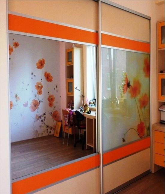Встроенный шкаф купе в детскую зеркало (серебро)
